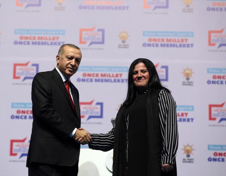 AK Parti Adalar belediye başkan adayı Özlem Öztekin Vural oldu.