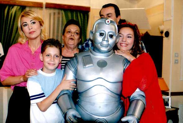 İyi Aile Robotu Dizisi TVT ekranlarında.
