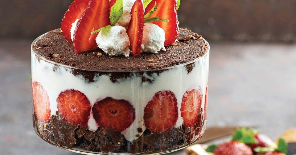 Lorlu Çikolatalı Kup Tatlı Tarifi Nasıl Yapılır?