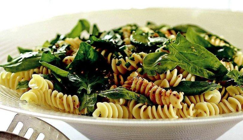 Makarna Salatası Tarifi Nasıl Yapılır?