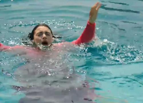 Yemin 38. Bölümde Reyhan Havuza Düşüyor!