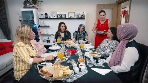 Zuhal Topal'la Sofrada 10 Aralık 1. Gün Serpil ve Fatma hanım Kaç Puan Aldı