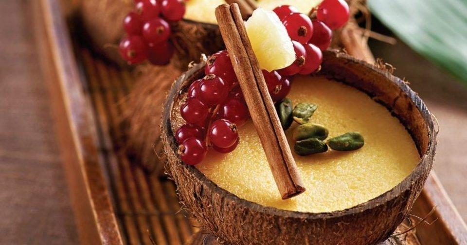Ananaslı ve Hindistan Cevizli Tatlı Tarifi Nasıl Yapılır?
