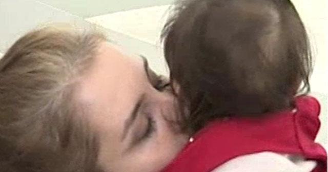 Anne ve babalar dikkat çocuğunuzu öperek hasta edebilirsiniz