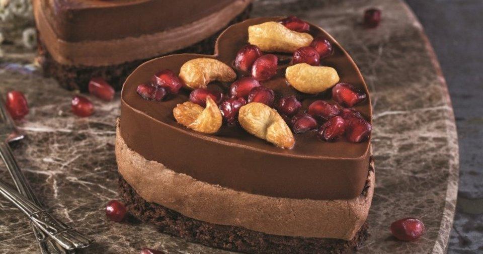 Çikolatalı Kalp Pasta Tarifi Nasıl Yapılır?