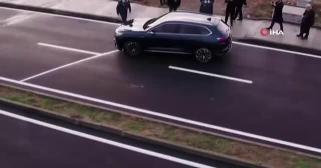 Cumhurbaşkanı Erdoğan, yerli otomobilin SUV modelini test etti.
