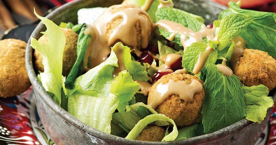 Falafelli Salata Tarifi Nasıl Yapılır?