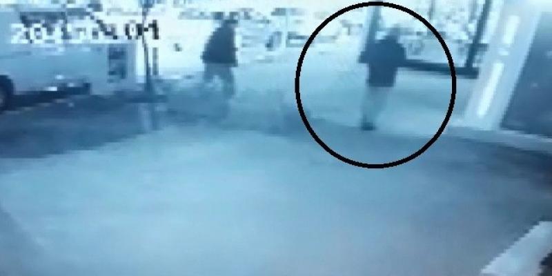 Katil zanlısının Dr. Gülcemal'i ATM'ye götürdüğü o anlar kamerada