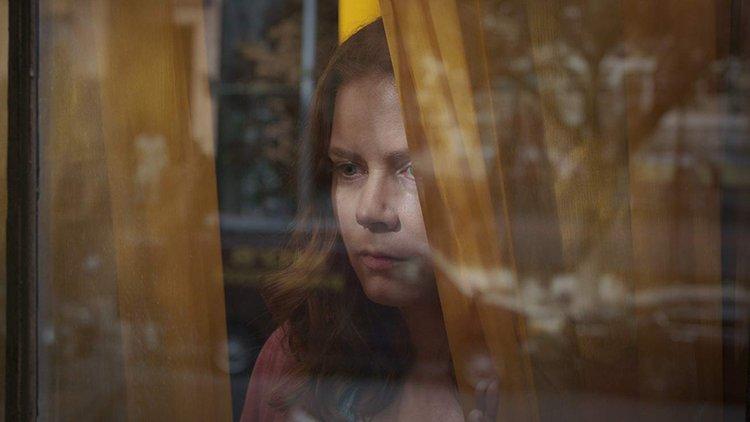 Penceredeki Kadın Filmi Fragman izle (Türkçe Altyazılı)