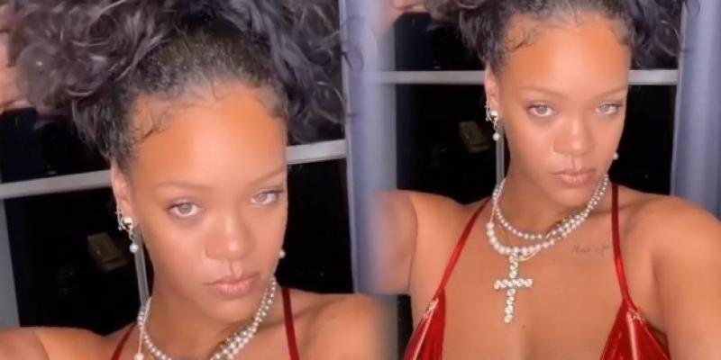 Rihanna kirmizi iç çamasiri ile çektirdiği resimleri paylaştı!