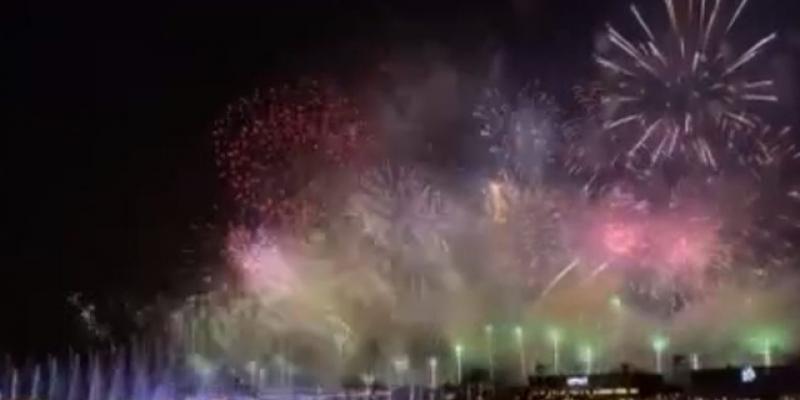 Riyad ve Dubai yeni yılı havai fişekle ve ışık gösterisiyle karşıladı