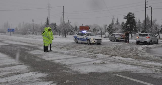 Seydişehir Antalya karayolunda zincirsiz araçların geçişine izin verilmiyor